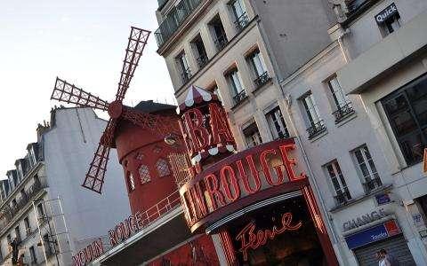 Une soirée magnifique dans les cabarets parisiens